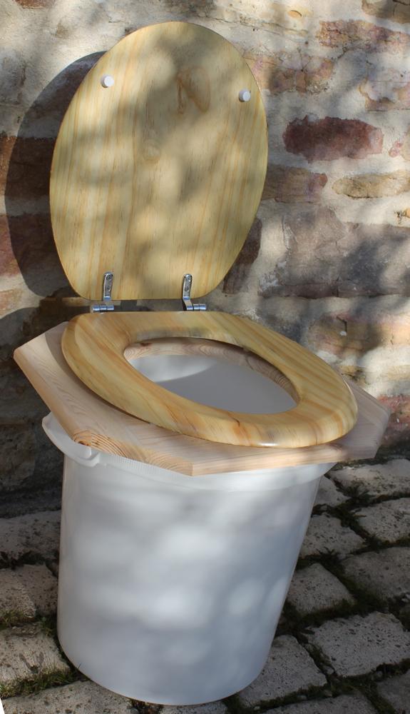 dessus de toilette poser sur un seau toilettes seches toilette seche wc sec marmite. Black Bedroom Furniture Sets. Home Design Ideas