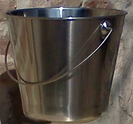 seau inox turpaud k lian toilettes s ches vente de kit toilette s che cabane et wc de camping. Black Bedroom Furniture Sets. Home Design Ideas