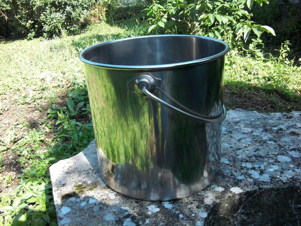 seau inox 12 litres avec couvercle qualit alimentaire toilettes s ches vente de kit. Black Bedroom Furniture Sets. Home Design Ideas